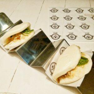 "Sandwich japo-cubano ""botella ron, tabaco habano"""