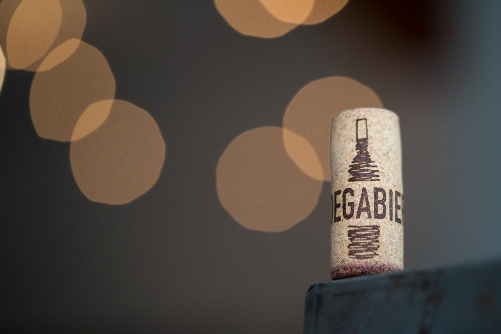 Aprender a catar vino de manera sencilla en tres pasos